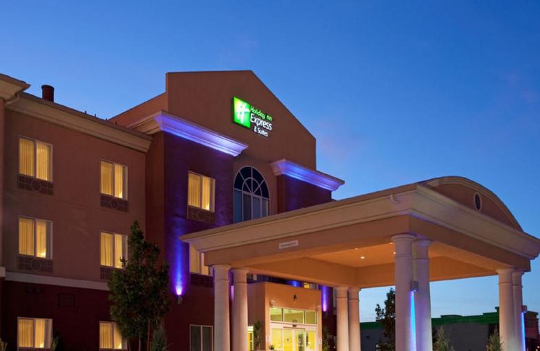Holiday Inn Express & Suites Reno, Washoe