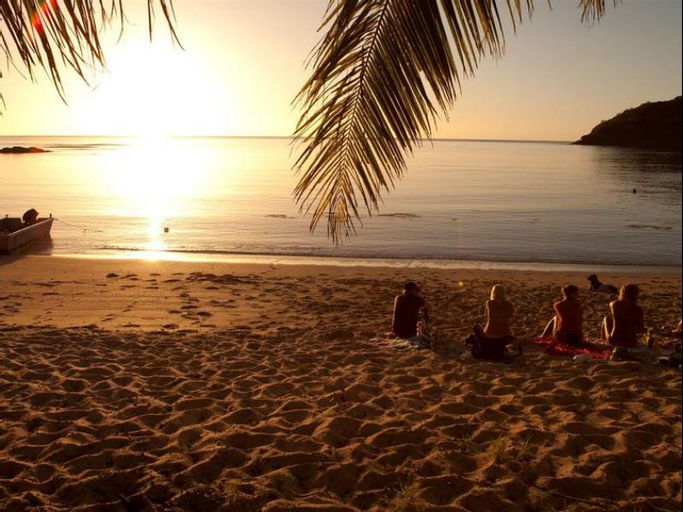Barefoot Manta Island, Ba