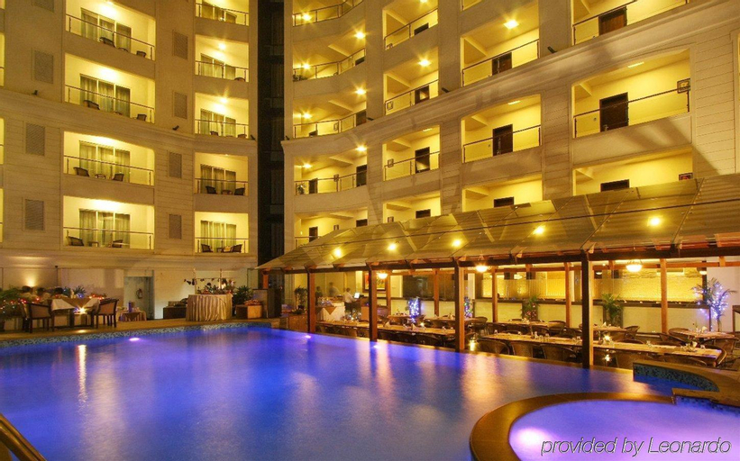 Le Royale Hotel, Pune