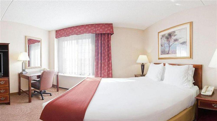 Holiday Inn Express Hotel & Suites Providence-Woonsocket, Providence