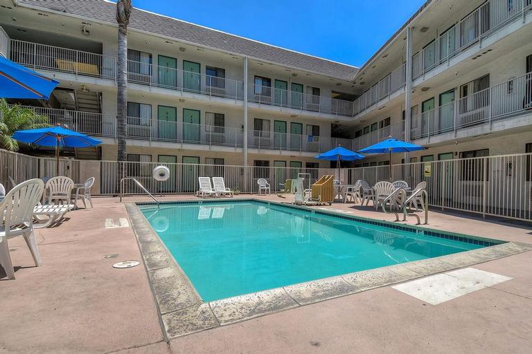 Motel 6 Anaheim, Orange