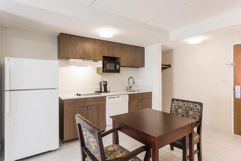 Holiday Inn Express Hotel and Suites Petersburg - Fort Lee, Prince George