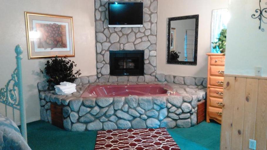 Black Forest Lodge, San Bernardino