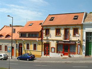 Szinbad Hotel, Pécs