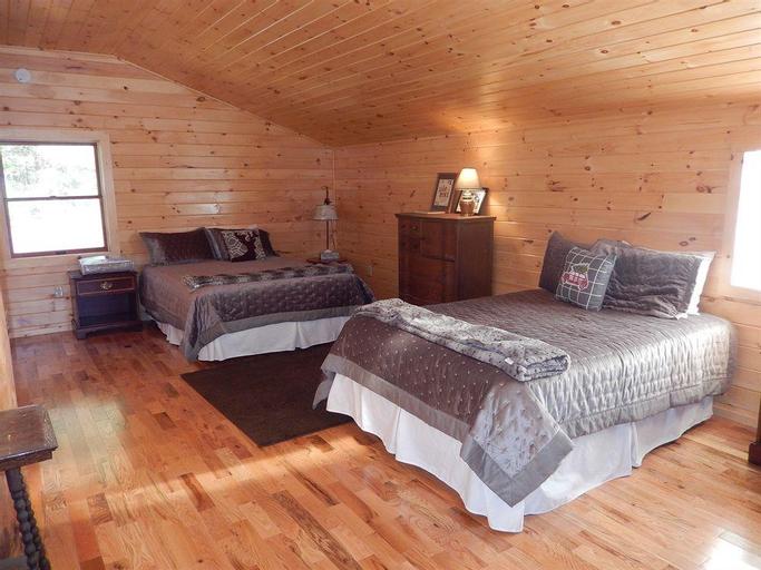 Kiwassa Lake Bed & Breakfast and Cabins, Franklin