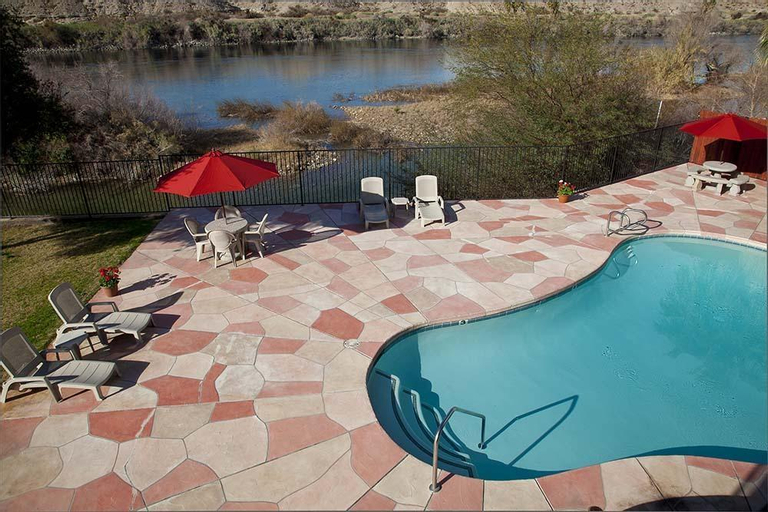 Lodge on the River, Mohave