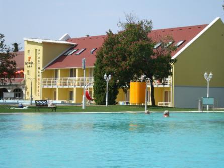 Het Vezer Apartmanhotel, Komárom