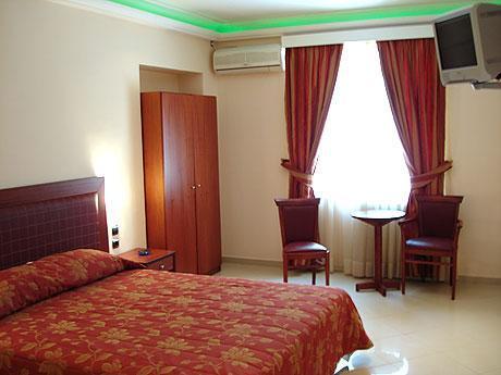 Brazil Hotel, Attica