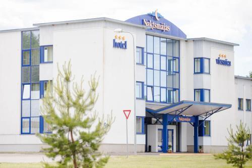 Hotel Naktsmajas, Valmiera