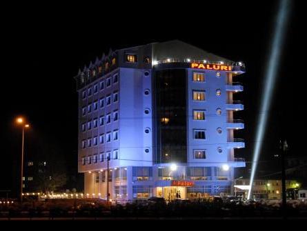 Paluri Hotel, Hopa