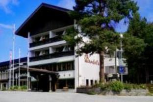 Bardøla Cottages, Hol