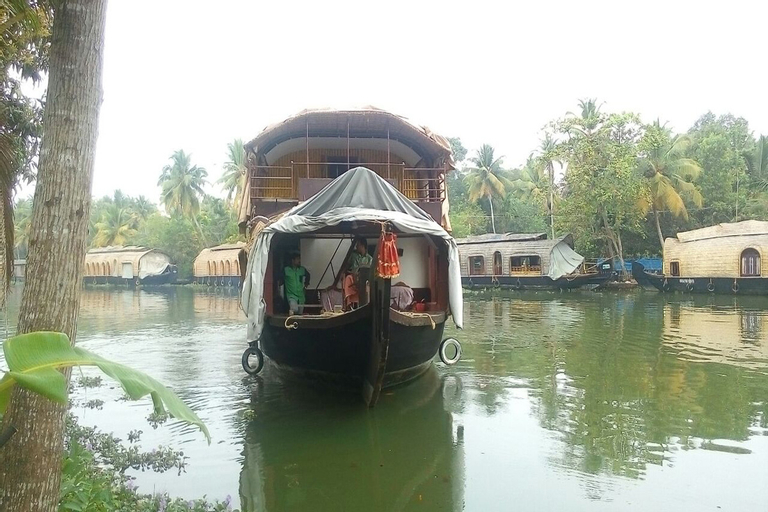 Southern Oasis Houseboats, Alappuzha