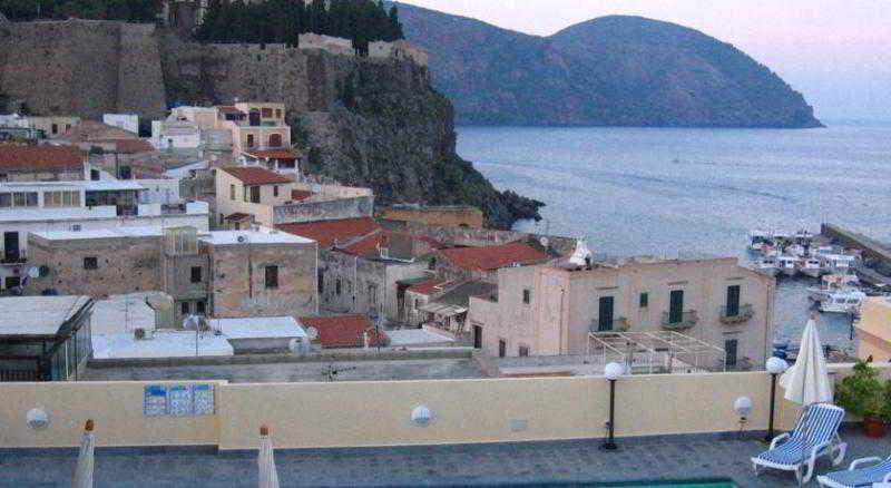Hotel Villa Meligunis, Messina