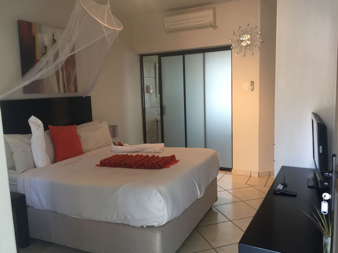 Peo Luxury Apartments, Ngamiland East