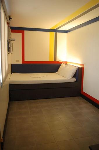 Hotel V, Mabalacat