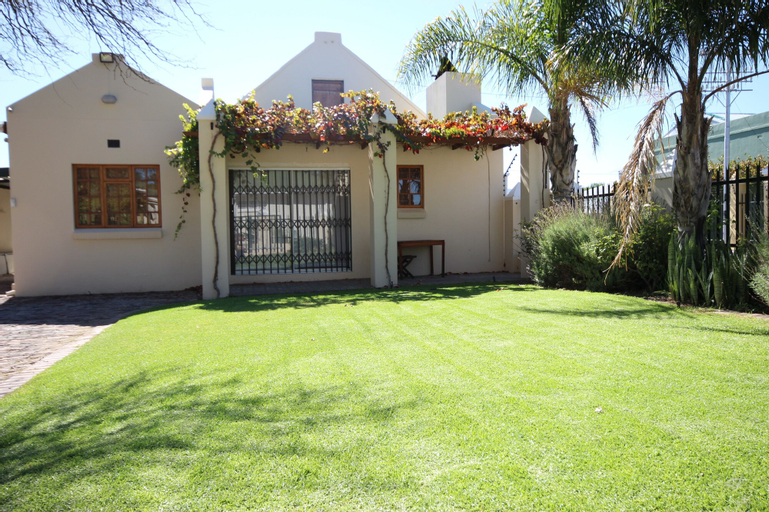 Donkin House, Central Karoo