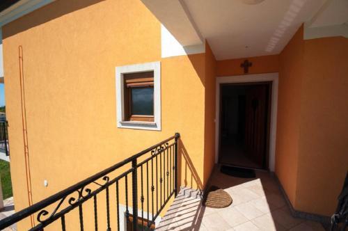 Leana Apartments, Brtonigla