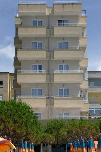 Hotel Edart, Durrësit