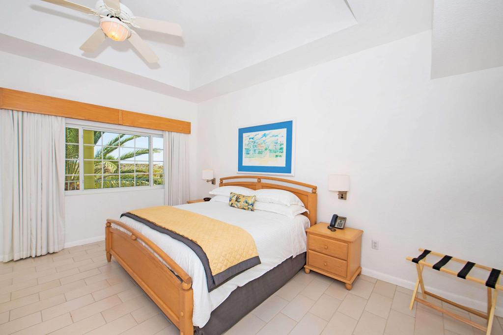 Wyndham Reef Resort Grand Cayman,