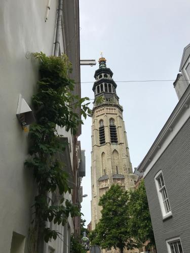 bednextdoor, Middelburg