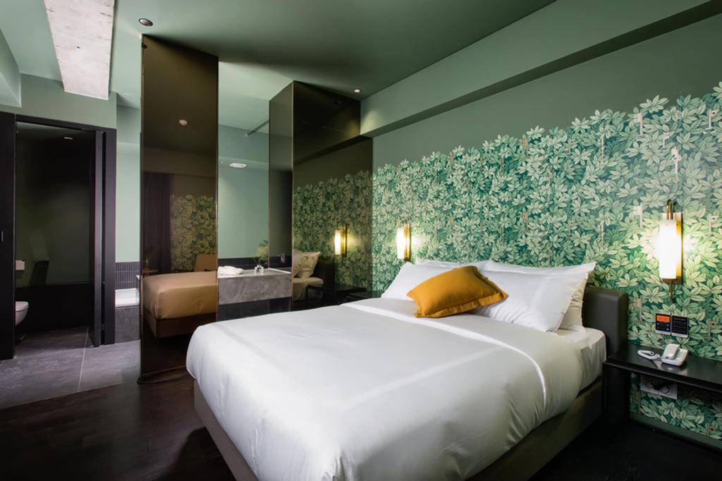 Oia Hotel, Saha