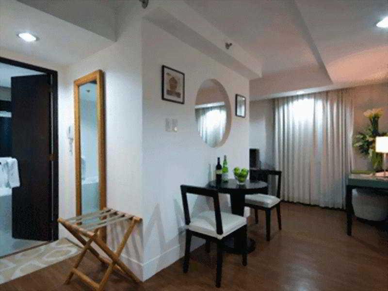 Regalia Tower Suites, Quezon City