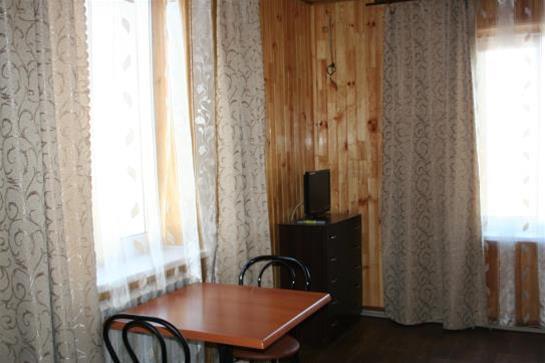 Shakhtarochka Hotel, Donets'ka