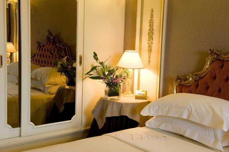 Thaison Palace Hotel, Hoàn Kiếm