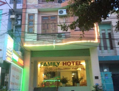 Family Hotel, Di An