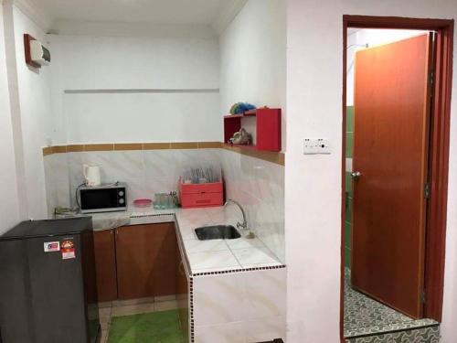 Room2Stay, Putatan
