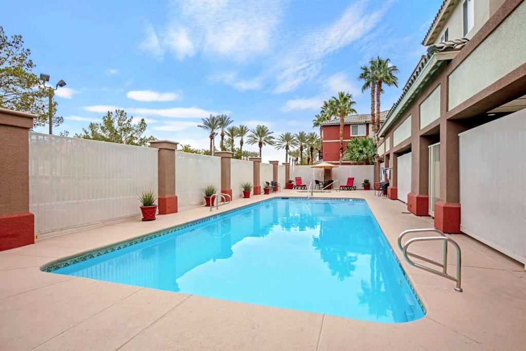 La Quinta Inn & Suites by  Las Vegas Red Rock, Clark