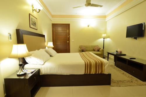 Pak Continental Hotel, Bahawalpur