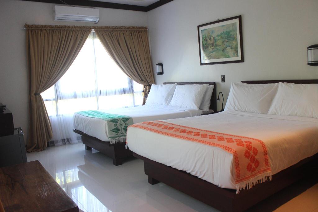 Veranda Suites and Restaurant, Paoay