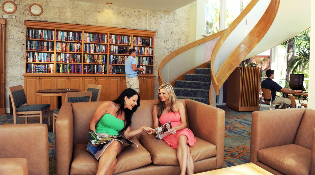 Atlantis, Coral Towers, Autograph Collection,