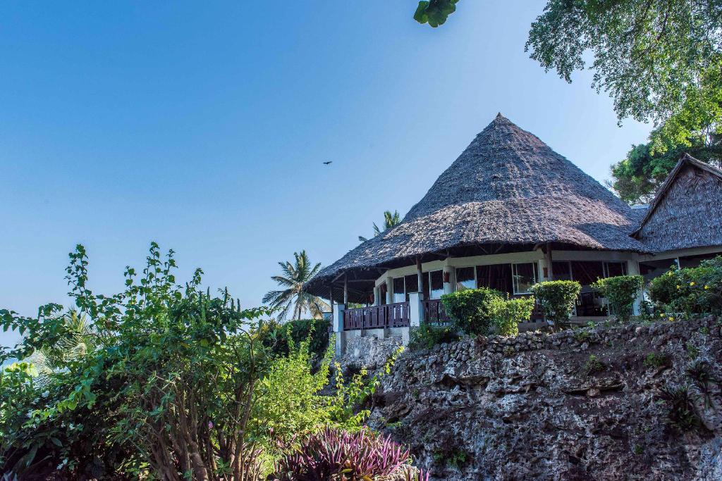Leisure Lodge Beach & Golf Resort, Msambweni
