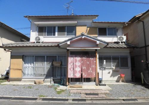 Rabbit House Sakurai, Sakurai