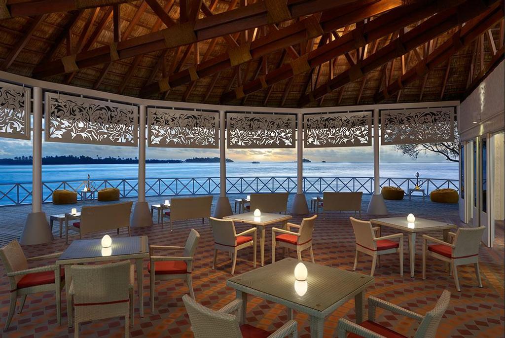 Cinnamon Dhonveli Maldives Water Suites, Malé