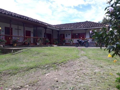 la casa de blanca, San Agustín