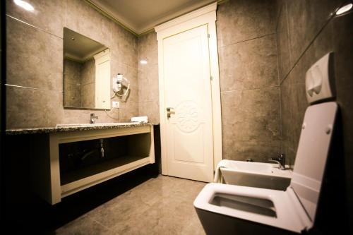 Hotel Vila Imperial, Elbasanit