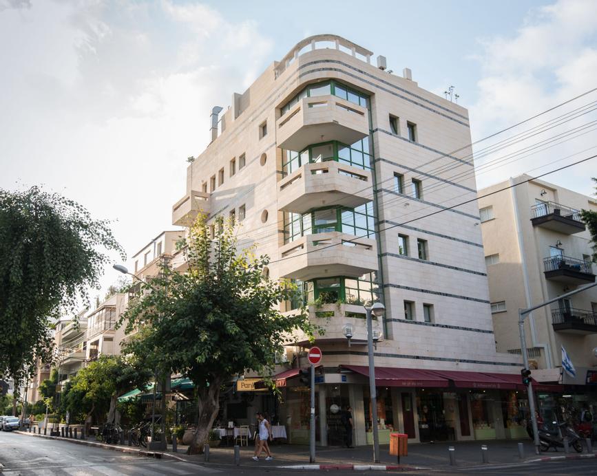 Dizengoff Suites Hotel,