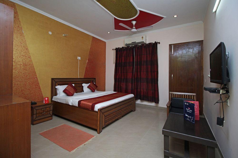 OYO 6539 Home Stay Laxmi Villa, Gurgaon