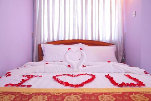 Diamond Whistle Hotel - Burmese Only, Yamethin