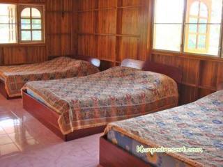 Baansuan Khun Phat Resort, Thong Pha Phum