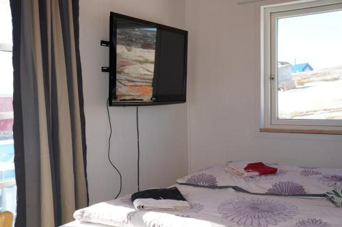 Bed & Breakfast, Oqaatsut/Rodebay,