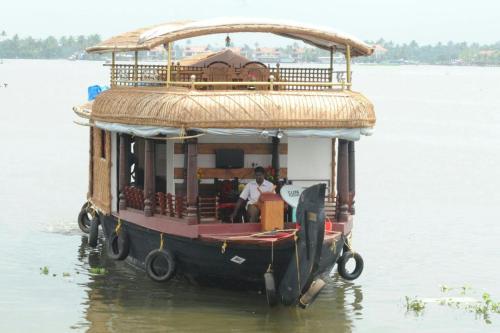 Backwater Cruise, Ernakulam