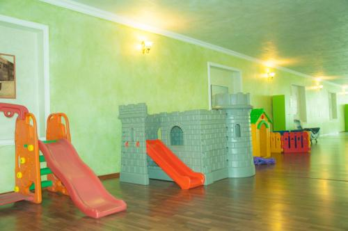 Vosku Ashxarh Hotel,