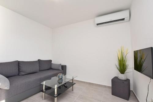 Apartments Danolic, Omiš