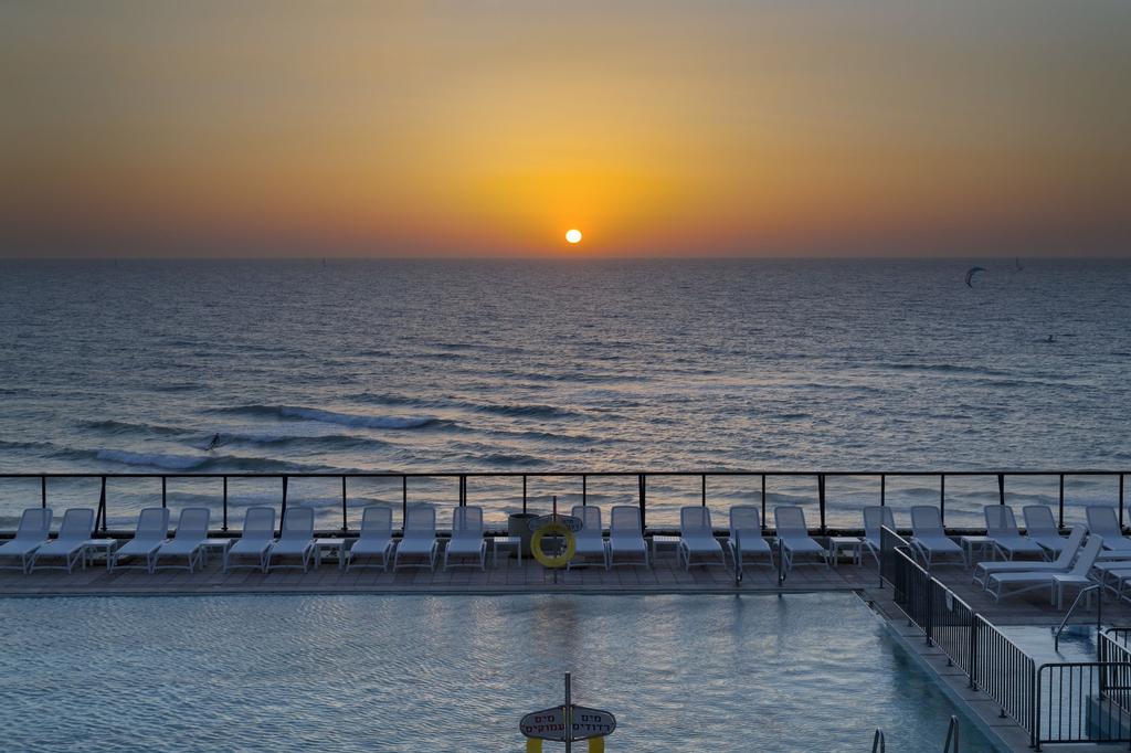 Okeanos Suites Herzliya by Herbert Samuel,