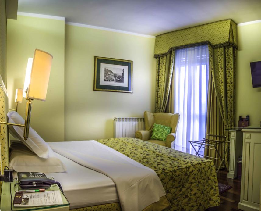 Hotel La Bussola, Novara