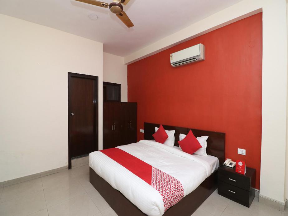 OYO 29376 Hotel Red Diamond, Gurgaon